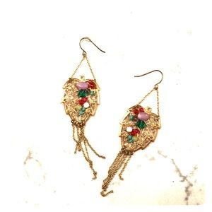 Leaf earrings with details